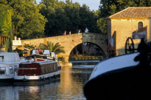 canal boats on canal du midi