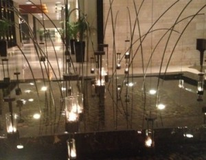 delhi-vivanta-suraj-inside-fountain-300x233.jpg